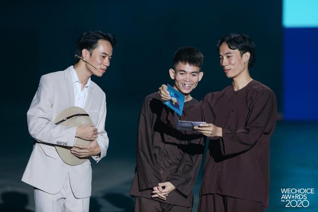 Quá trời rồi: Chàng trai chăn bò Soytiet tung MV xịn mịn, hát tiếng Anh còn kết hợp hẳn với producer người Mỹ để làm nhạc! - Ảnh 5.