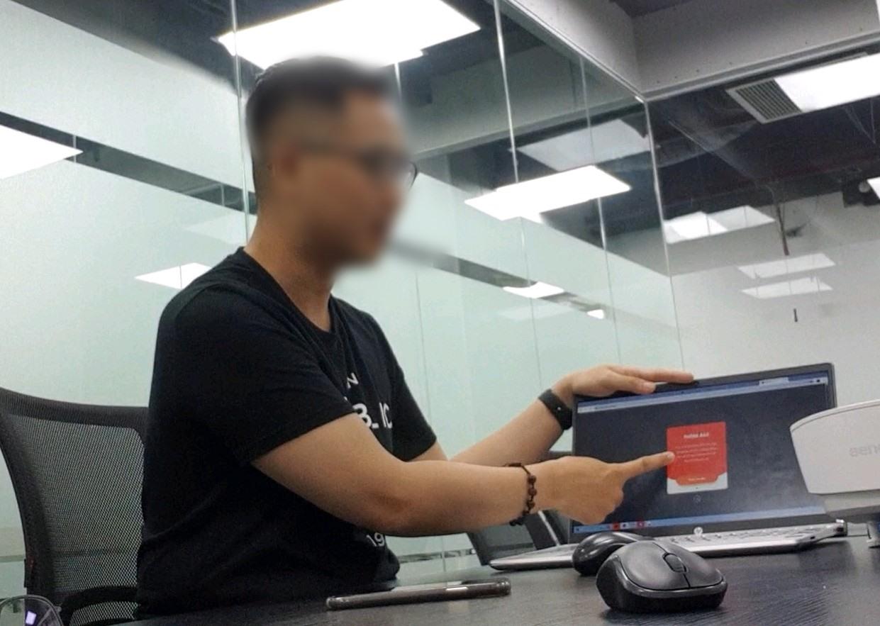 """Đại diện Vdong giải thích về khoản phí dịch vụ """"cắt cổ"""". Ảnh: PV"""