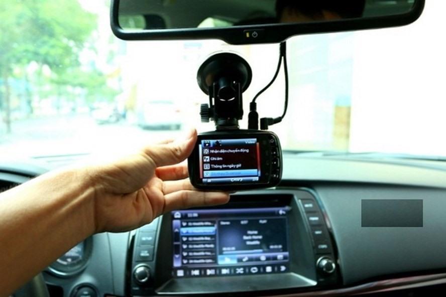 Để kinh doanh vận tải hành khách và hàng hóa bằng ôtô phải lắp camera hành trình. Ảnh: ĐT