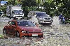 Ôtô đi mưa về, cần làm ngay những việc này nếu không muốn xe chóng hỏng