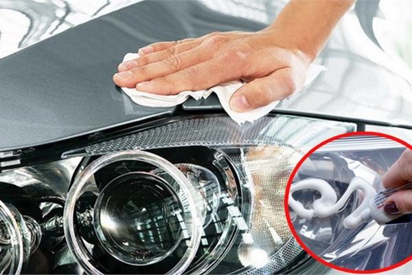 Cách khắc phục đèn xe ô tô bị ố vàng tại nhà