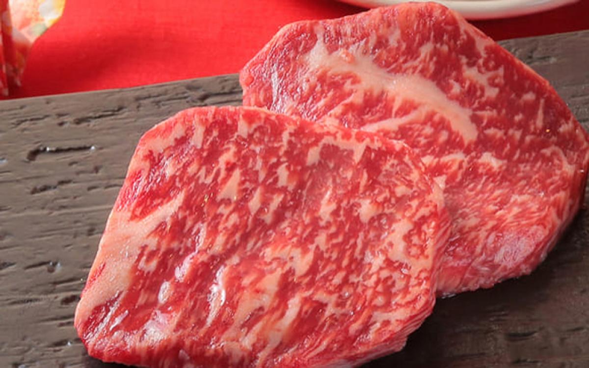 Thịt bò Nhật Bản là sản phẩm có thương hiệu nổi tiếng toàn cầu bởi chúng ngon hơn hẳn các thịt bò khác.