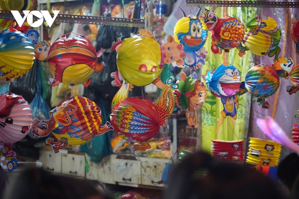 Sellers do a good trade in paper and electronic lanterns.