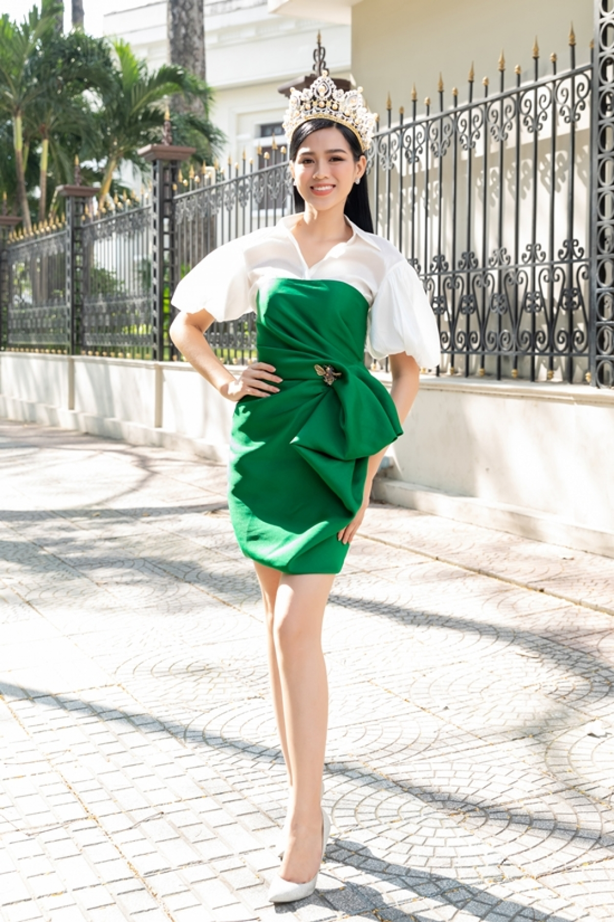 A native of Thanh Hoa, Ha beat off competition from 34 other contestants in the finale of the national pageant in order to clinch the trophy. She is currently studying business law at the National Economics University in Hanoi and stands at 1.75 metres tall and measures 80-60-90.