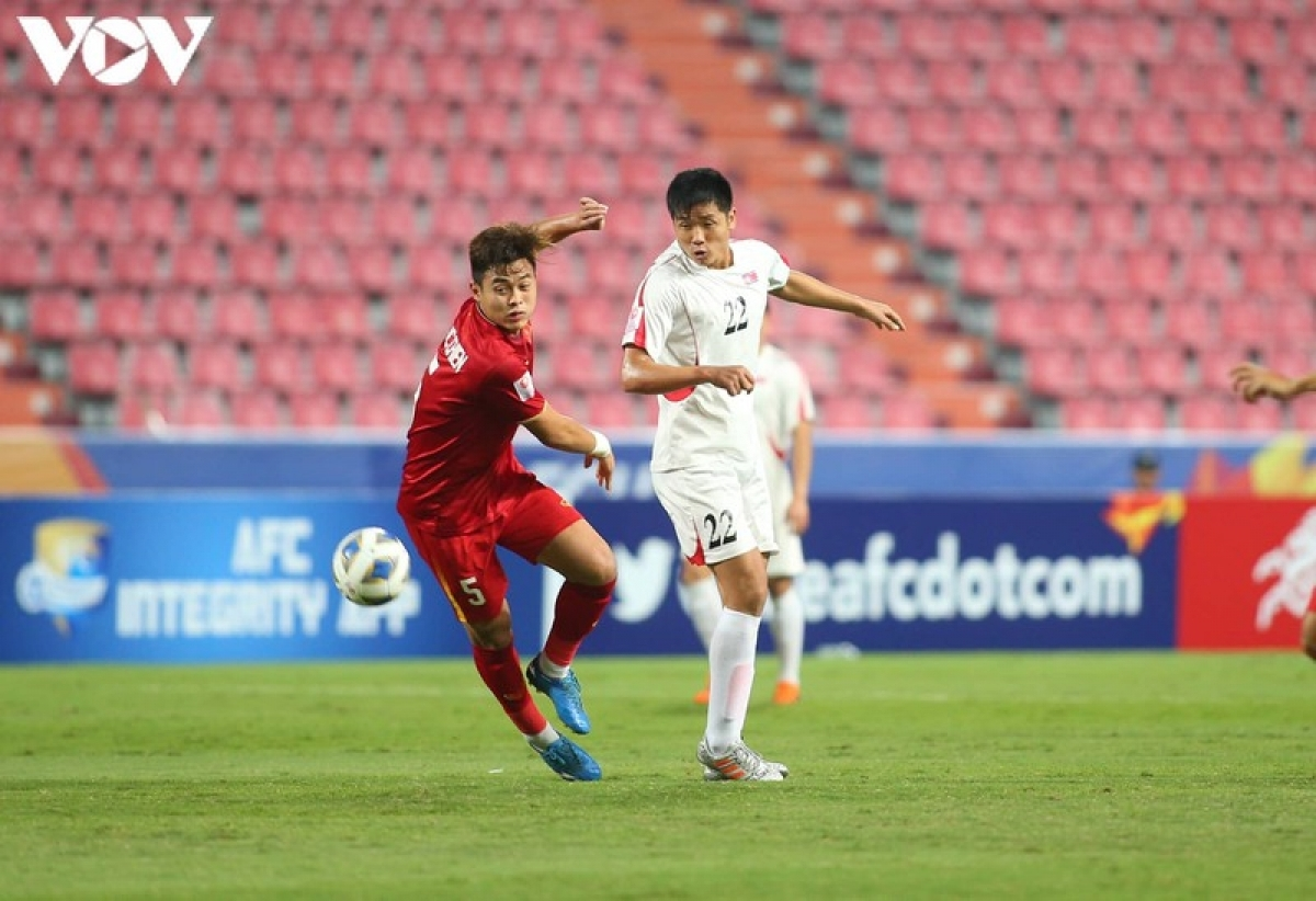 Nguyen Duc Chien, 22, was a key part of the Viettel FC side which lifted the V.League 1 trophy. He served as a key player for the Vietnam U22 squad which won the men's football at the 30th Southeast Asian (SEA) Games and competed in the Asian Football Confederation (AFC) U23 Championship 2020. His call up marks the first time that he has been named among the national line-up.