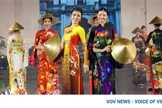 Designer Hoai Nam debuts collection featuring heritage sites at Ao Dai Festival