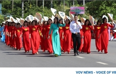 Over 2,000 women participate in Ao Dai week in Ha Long