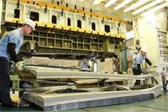 Tăng nội địa hóa ô tô, phát triển công nghiệp hỗ trợ: Doanh nghiệp không thể tự làm