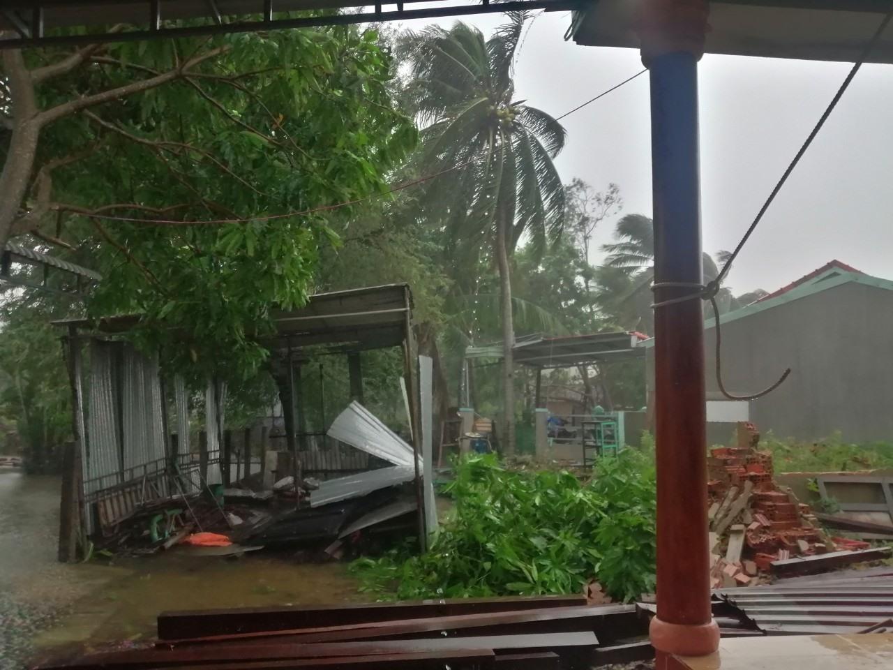 Gió lớn tại xã Tam Quang lúc 8h45 sáng nay. Ảnh: CTV