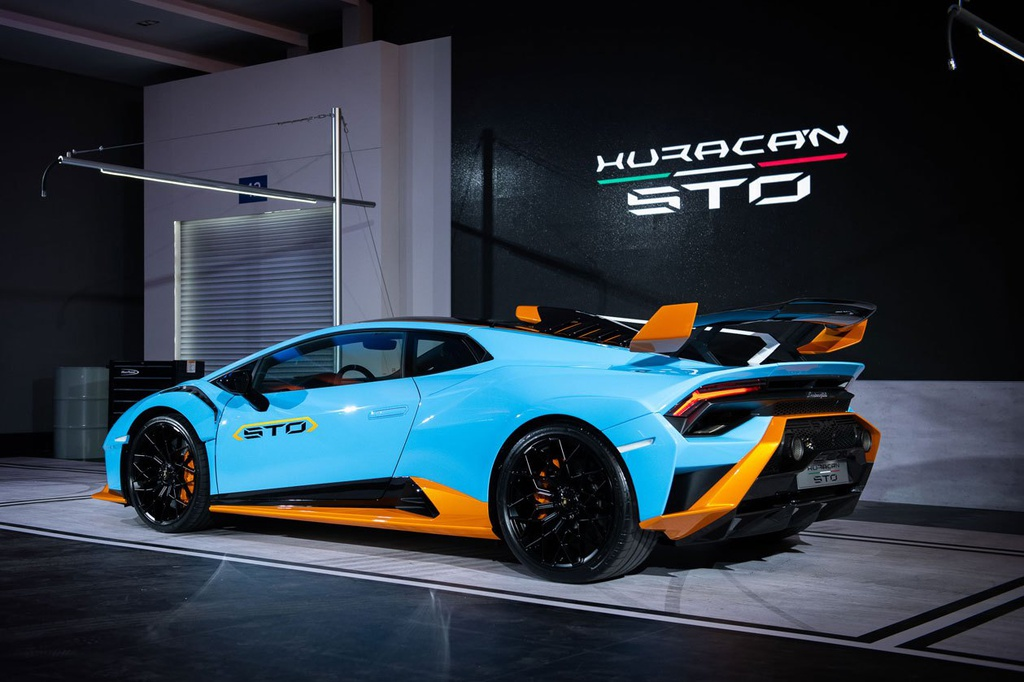 Lamborghini Huracan STO được ra mắt tại Thái Lan, giá gần 1 triệu USD 10