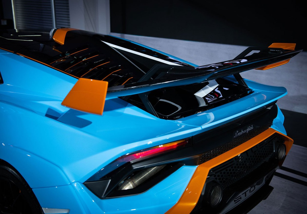 Lamborghini Huracan STO được ra mắt tại Thái Lan, giá gần 1 triệu USD 11
