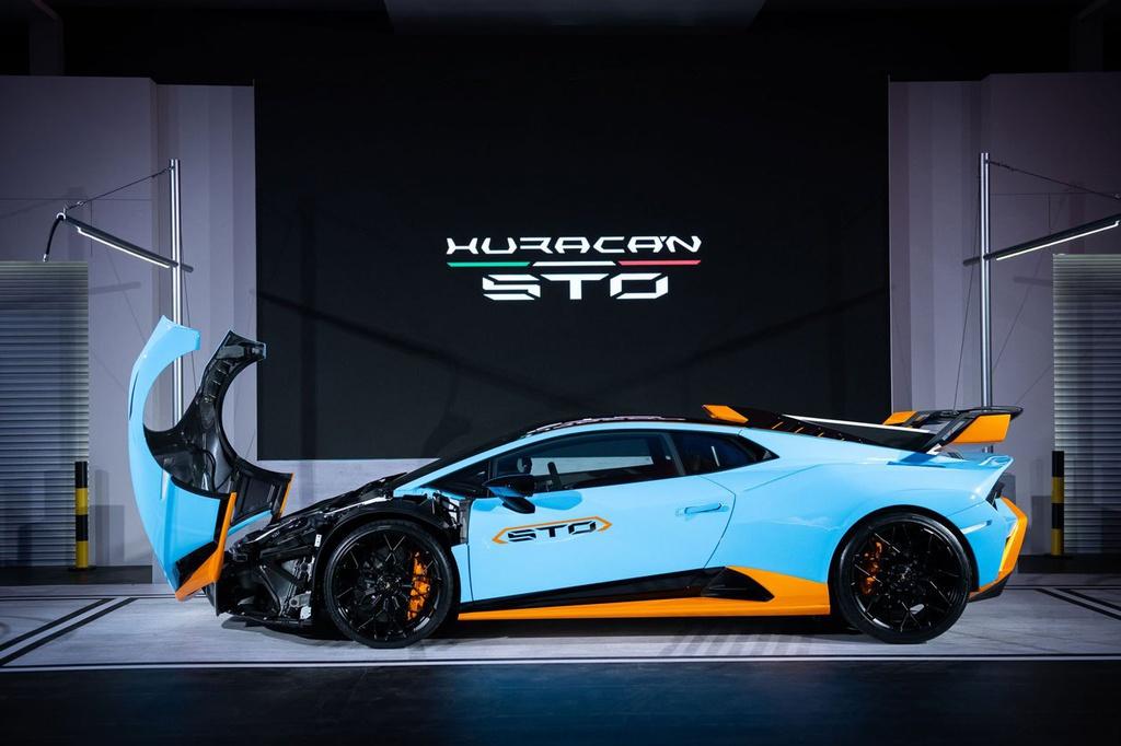 Lamborghini Huracan STO được ra mắt tại Thái Lan, giá gần 1 triệu USD 12