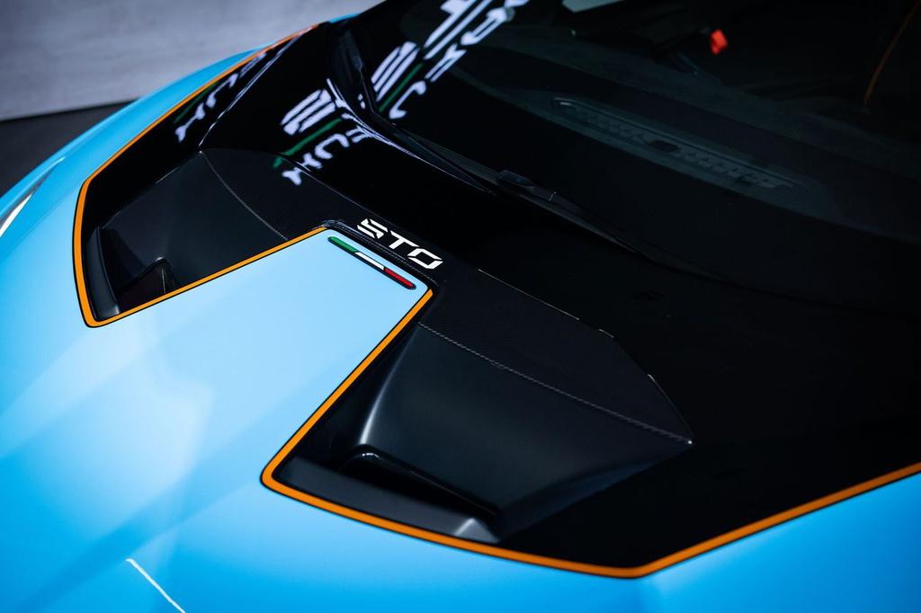 Lamborghini Huracan STO được ra mắt tại Thái Lan, giá gần 1 triệu USD 8