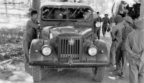 Xe tải hạng nhẹ UAZ-69 của Việt Nam. Ảnh: Odkrywca.pl.