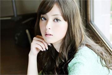 Siêu mẫu Nhật Bản chăm sóc da thế nào để trông trẻ hơn tuổi thật?