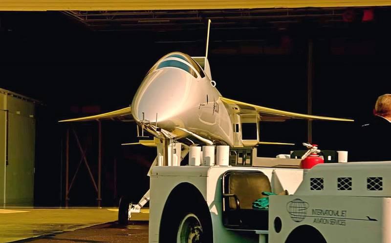 Mô hình máy bay chở khách siêu thanh XB-1 do Boom Supersonic phát triển. Ảnh: National Interest.