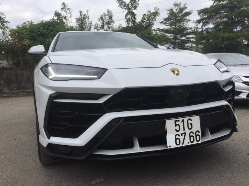 Cận cảnh Lamborghini Urus 23 tỷ độc nhất của đại gia Minh Nhựa\