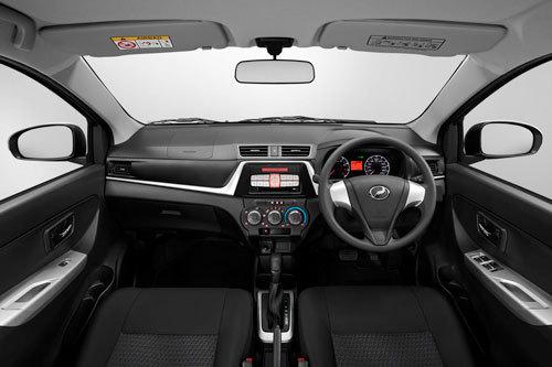 Mẫu sedan đẹp long lanh và 'ngập' công nghệ, giá từ 195 triệu đồng
