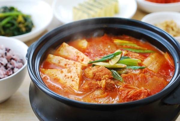 Cách nấu canh kim chi Hàn Quốc