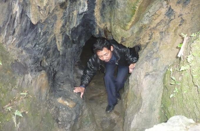 Cửa một hầm vàng được đào trên vùng núi Mã Cú. Ảnh: H.L.