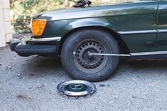 Hướng dẫn cách kích gầm xe ô tô an toàn