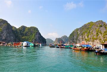 Leonardo DiCaprio calls for protection of Halong Bay's sister in Vietnam