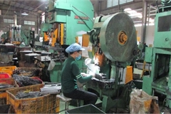 Vietnam factory activity dips in July as Covid-19 impacts grow