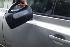 Mẹo loại bỏ vết lõm trên xe ôtô bằng nước sôi