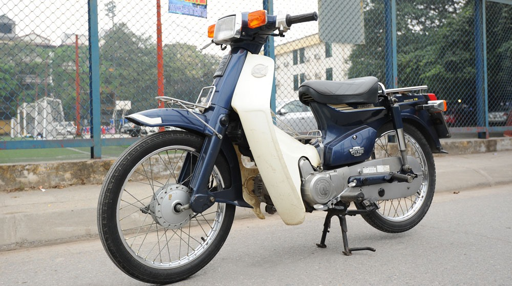 Honda super cub đời 1982. Ảnh ST.