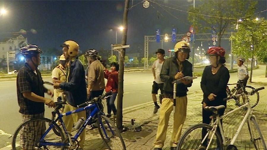 Không lái xe khi đã uống rượu, bia, kể cả đi xe đạp. Ảnh ST.