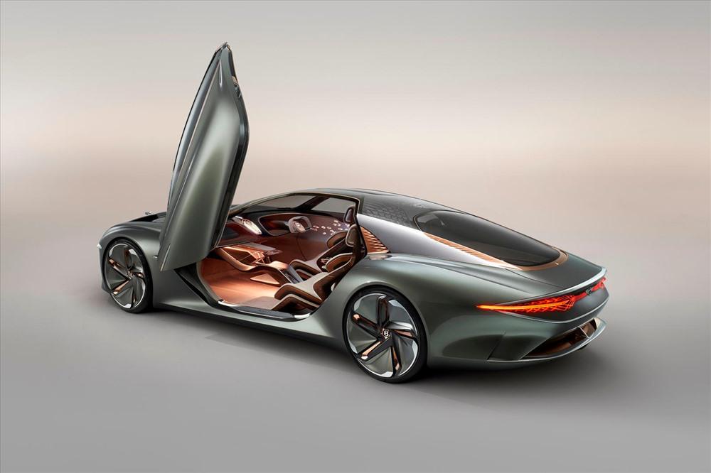 Chiếc xe sẽ được nghiên cứu chế tạo trong 1 thập kỷ đến. Ảnh: Carbuzz