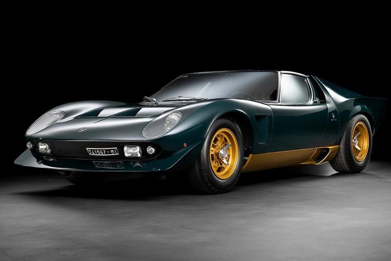 """Cũng có chung số phận như những chiếc Lamborghini Miura P400 S khác vào năm 1969, chiếc Miura trong bài đã được mua đi bán lại bởi nhiều nhà sưu tập xe khác nhau trước khi về với chủ nhân hiện nay là Walter Ronchi. Nhưng Walter Ronchi lại chính là người chủ đầu tiên biến nó trở thành một chiếc Miura """"độc"""" nhất có một không hai trong làng xe."""