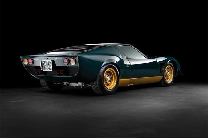 Walter Ronchi tìm đến cựu tay đua Công thức 1 Franco Galli cùng một số kỹ sư kì cựu làm việc tại Lamborghini để biến đổi chiếc Miura P400 S mới của ông thành một siêu phẩm.