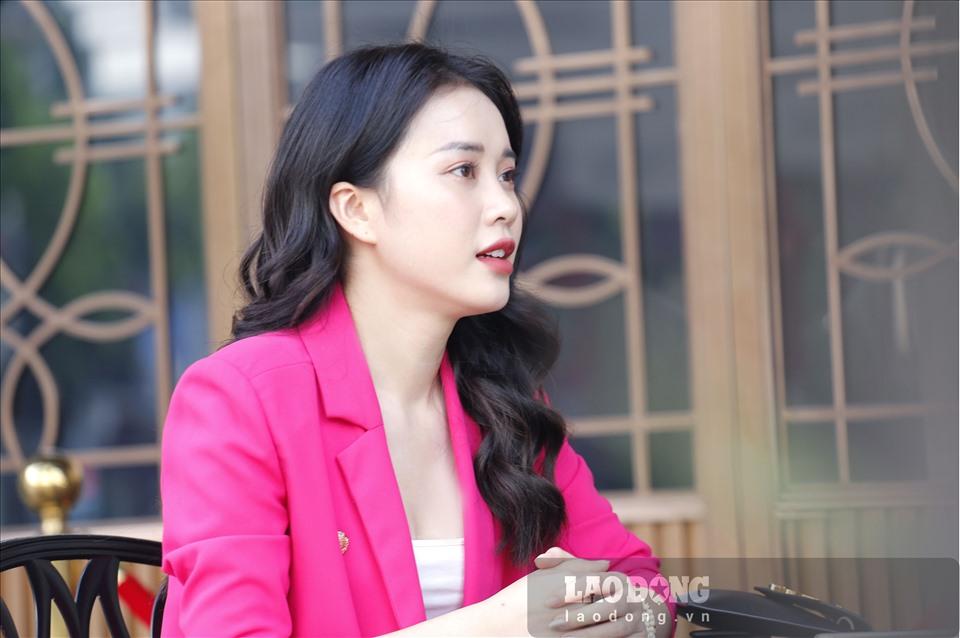 Mặc dù hiện đang là một trong những thí sinh được chú ý nhiều nhất Hoa hậu Việt Nam 2020, nhưng Mai Phương khẳng định cô có rất nhiều bất lợi so với các thí sinh khác.