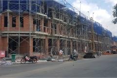 Đình chỉ thi công dự án Nhà ở cao tầng phường Phú Mỹ quận 7 vì xây chui