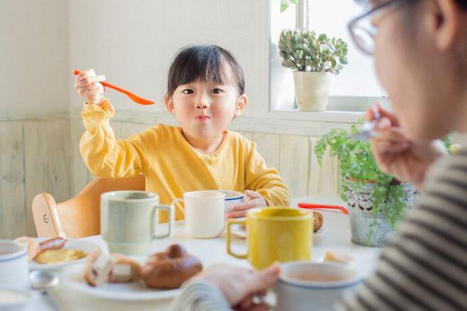 Chỉ sử dụng thuốc kích thích trẻ ăn ngon theo chỉ định của bác sĩ.