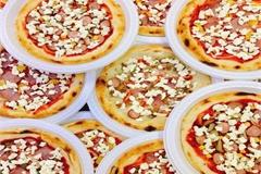 Pizza cấp đông siêu rẻ bán tràn lan trên mạng: Chất lượng ai quản?