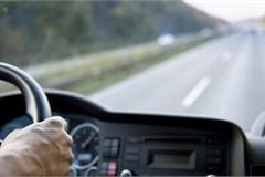 7 thói quen 'tàn phá' xe ô tô nhanh nhất lái xe cần bỏ gấp