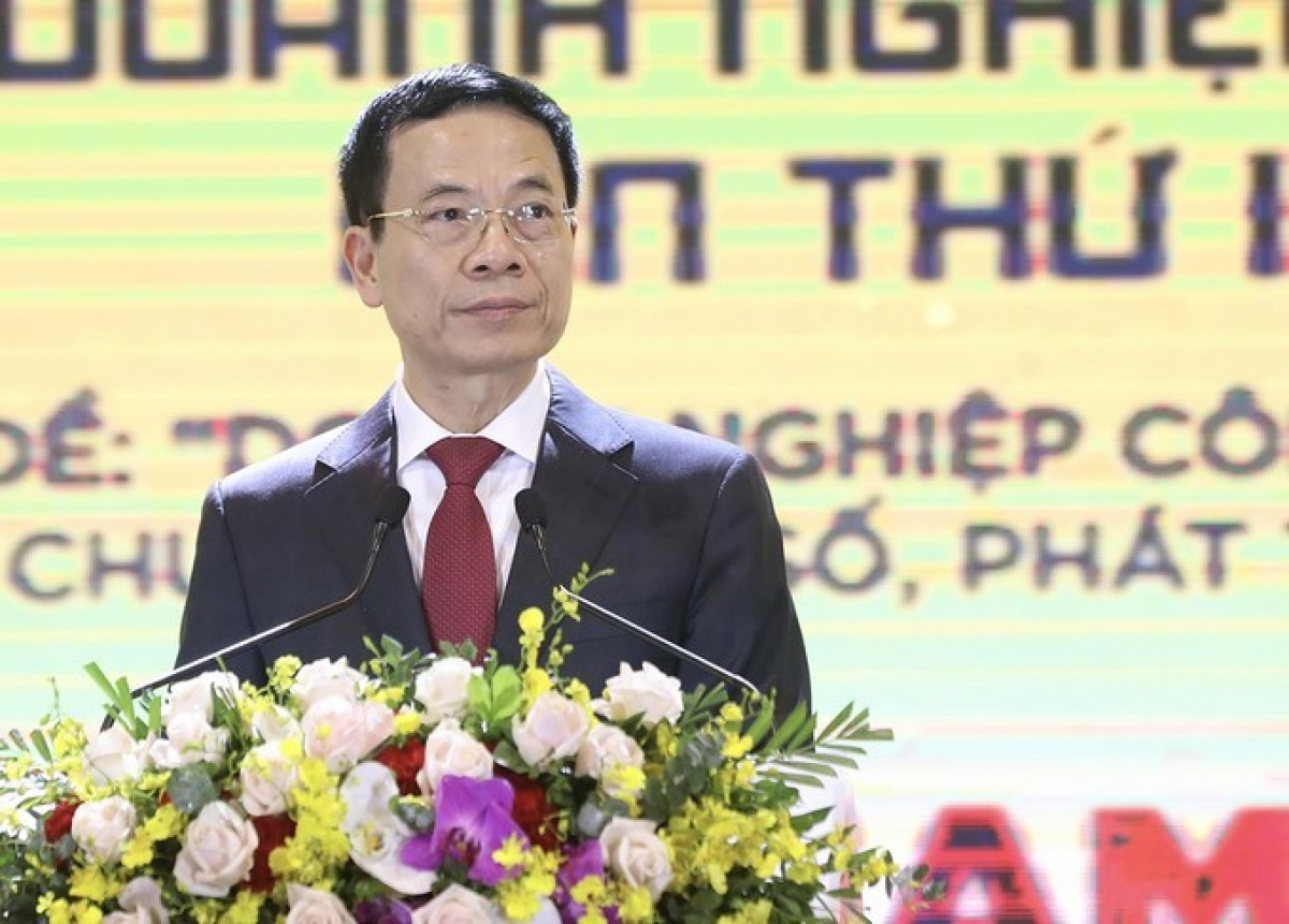 Minister of Information and Communication Nguyen Manh Hung addresses the event (Photo: Vietnamnet)