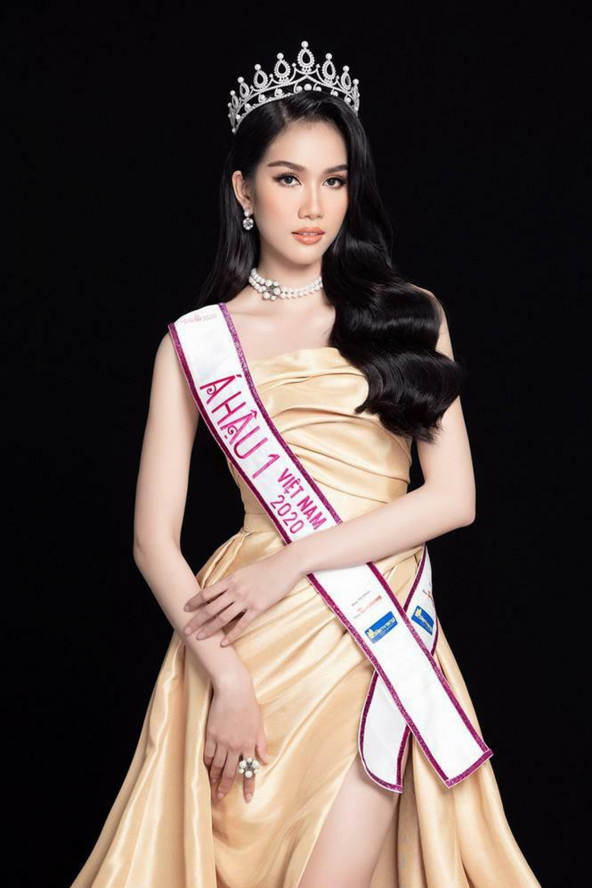 First runner-up at Miss Vietnam 2020Phuong Anh ranksseventh in Crown Talk's list