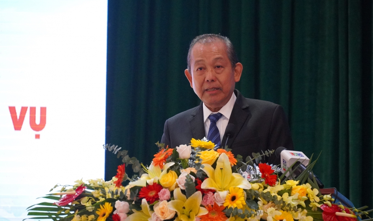 Uỷ viên Bộ Chính trị - Phó Thủ tướng thường trực Trương Hoà Bình phát biểu chỉ đạo.
