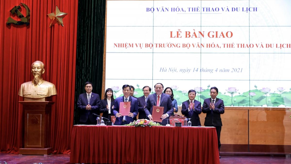 Lễ bàn giao nhiệm vụ Bộ trưởng Bộ Văn hóa, Thể thao và Du lịch.