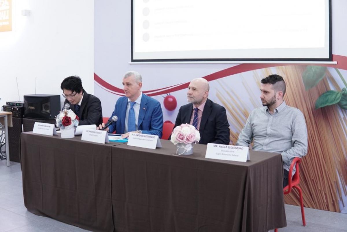 Una conferenza stampa per presentare il concorso di cucina