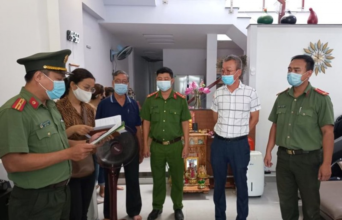 Three Koreans are arrested in Da Nang city for bringing illegal immigrants into Vietnam. (Photo: Plo.vn)