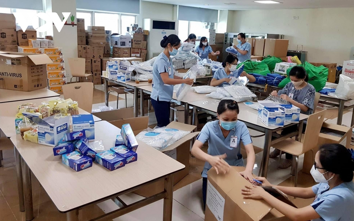 Ho Chi Minh City University of Medicine and Pharmacy staff prepare protective equipment for those directly involve in anti pandemic work.