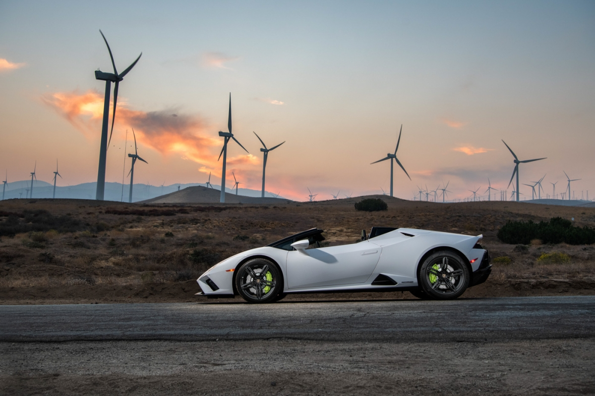 sieu-xe-the-thao-Lamborghini-Huracán-EVO-Spyder-thang-giai-xe-mui-tran-2021