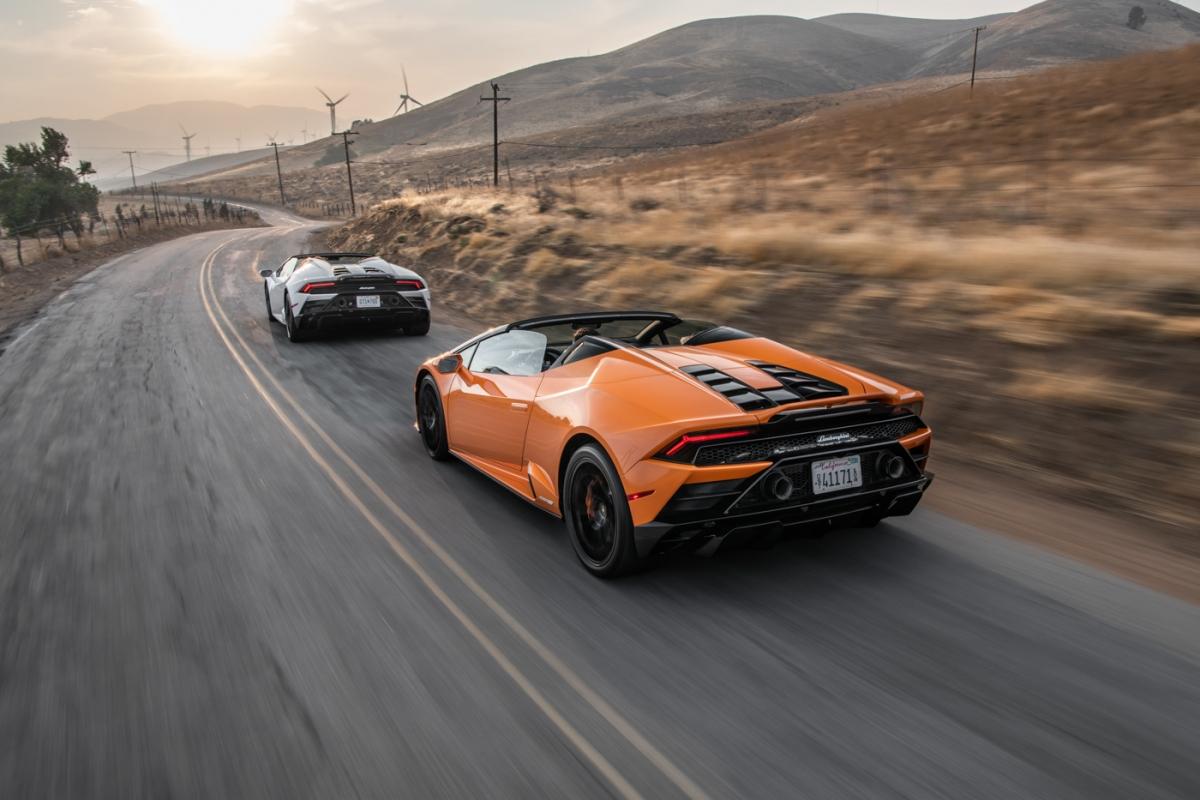 sieu-xe-the-thao-Lamborghini-Huracán-EVO-Spyder-thang-giai-xe-mui-tran-2021-02