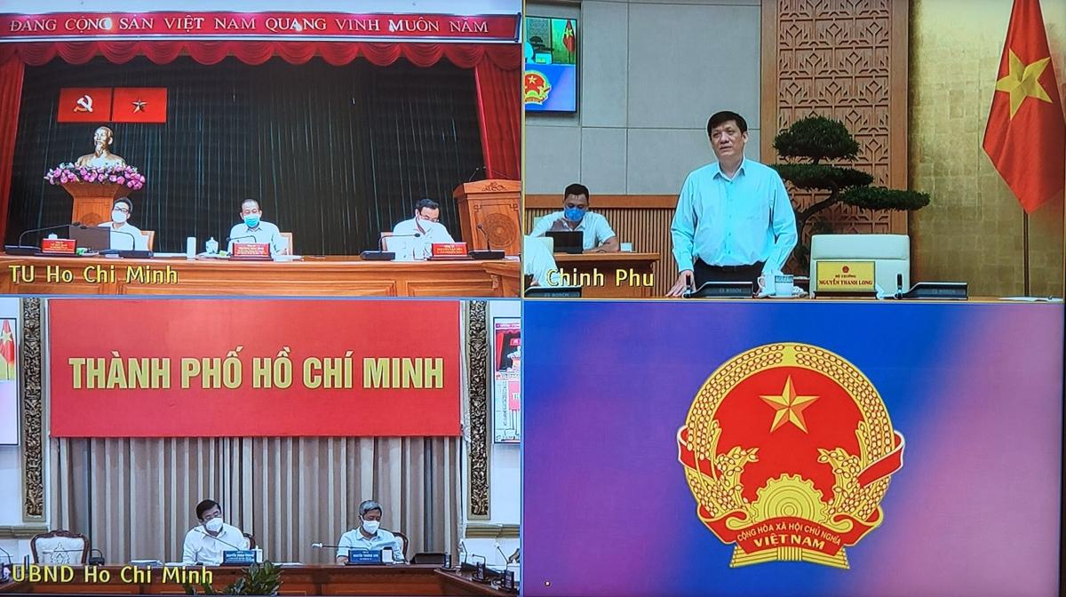 Bộ trưởng Bộ Y tế phát biểu tại cuộc họp