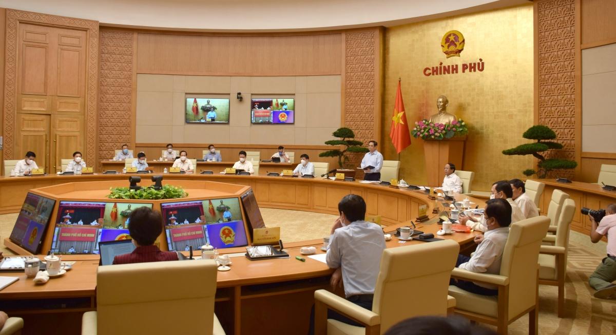 Thủ tướng Chính phủ Phạm Minh Chính chủ trì họp trực tuyến Chính phủ với lãnh đạo thành phố Hồ Chí Minh