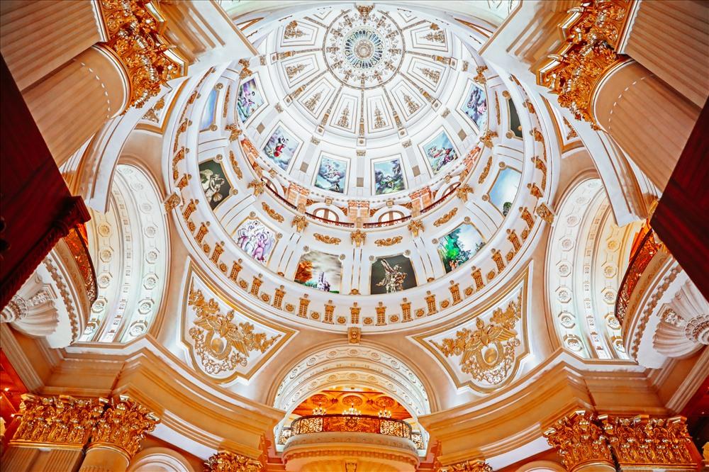 Bất động sản - Chiêm ngưỡng lâu đài mạ vàng gây choáng của đại gia Ninh Bình (Hình 6).
